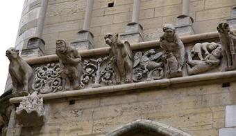ディジョン ノートルダム寺院のガーゴイル